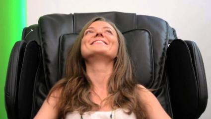 Использование массажного кресла: показания и противопоказания